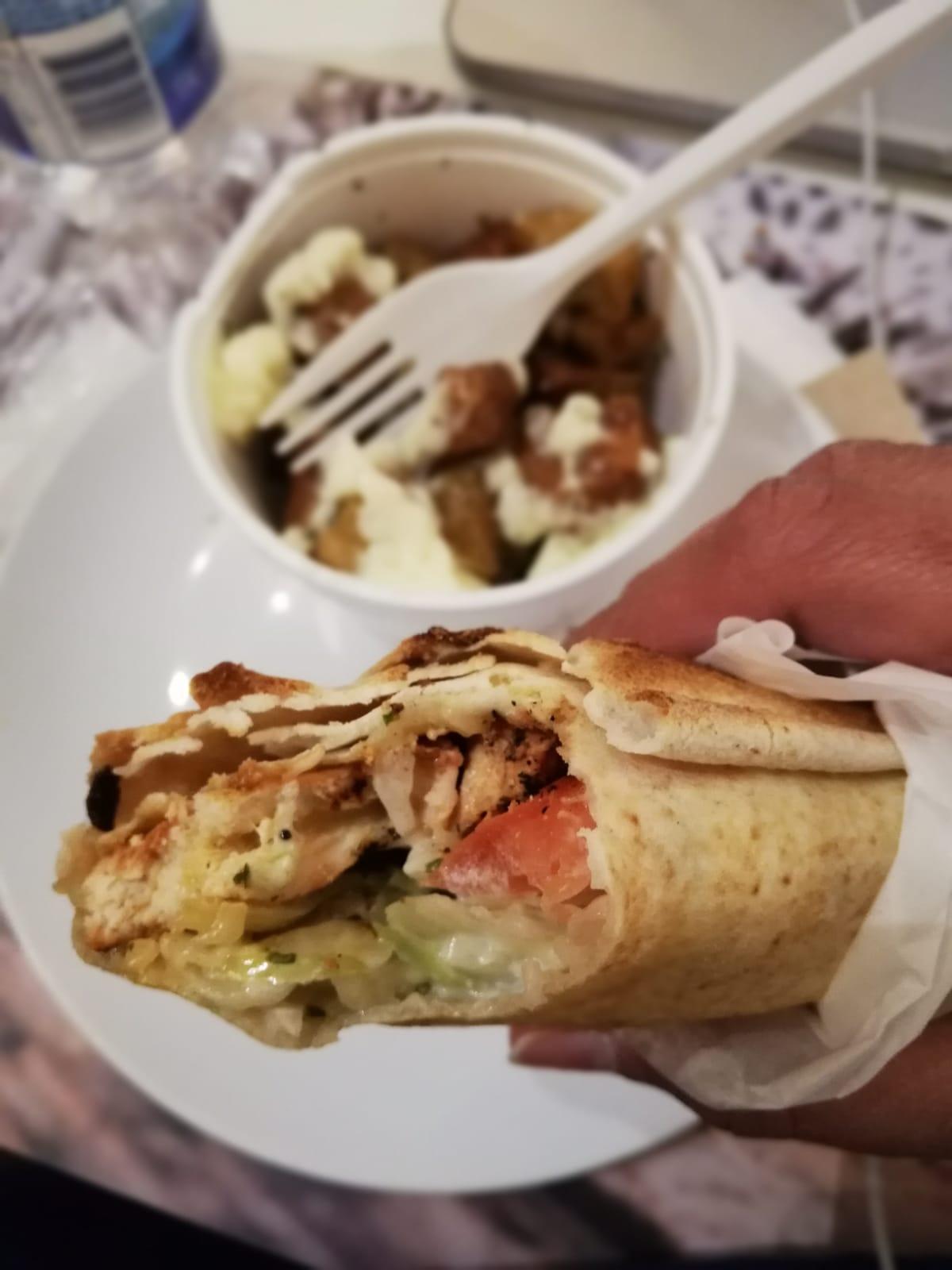 pita brochettes de poulet des restaurants Boustan